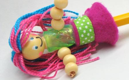 lapices-decorados-con-munequitos-5