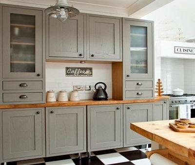 Bucătărie rustică amenajată în gri 4