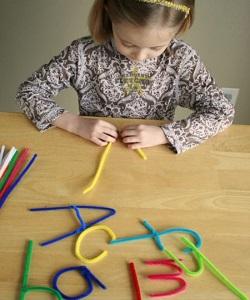 letters maken van pijpenragers.1388842812 van marijnepijn